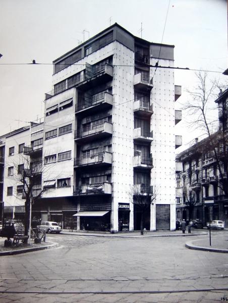 Casa ad appartamenti lavezzari a milano giuseppe terragni milano maarc architettura - Casa base milano ...