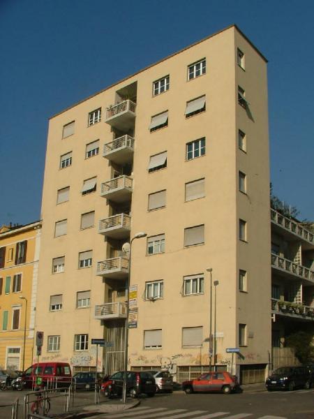 Casa ad appartamenti rustici comolli a milano giuseppe terragni milano maarc architettura - Casa base milano ...